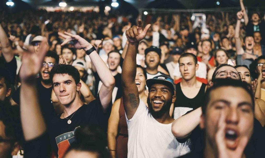 Menschen die an einem Event partizipieren